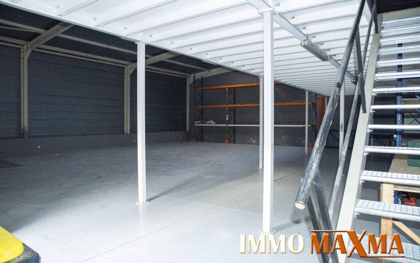 Local industriel / Stockage 390 M²