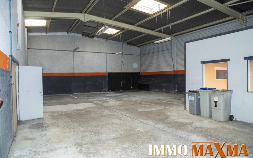 Local Industriel / Stockage 292 M²